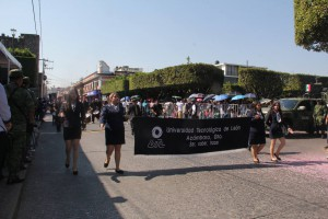 UTL Acámbaro presente en el desfile cívico del 22 de Octubre