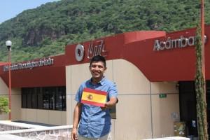 """Alumno viaja a España con la beca """"Manos por el mundo"""""""