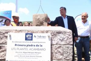Coloca Gobernador primera piedra de nuevo edificio en la UAS